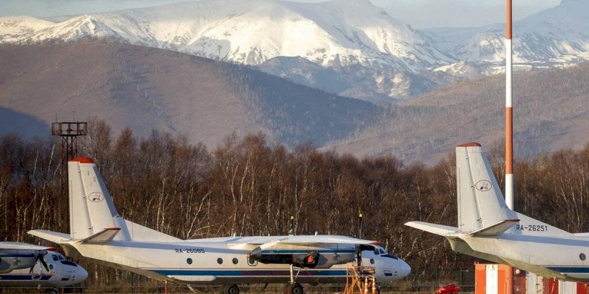 Se estrella un avión con 28 personas en Rusia
