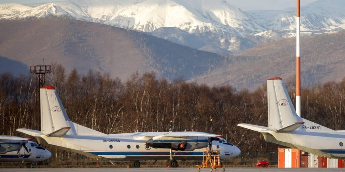 Avión con 28 pasajeros a bordo se estrella en Rusia