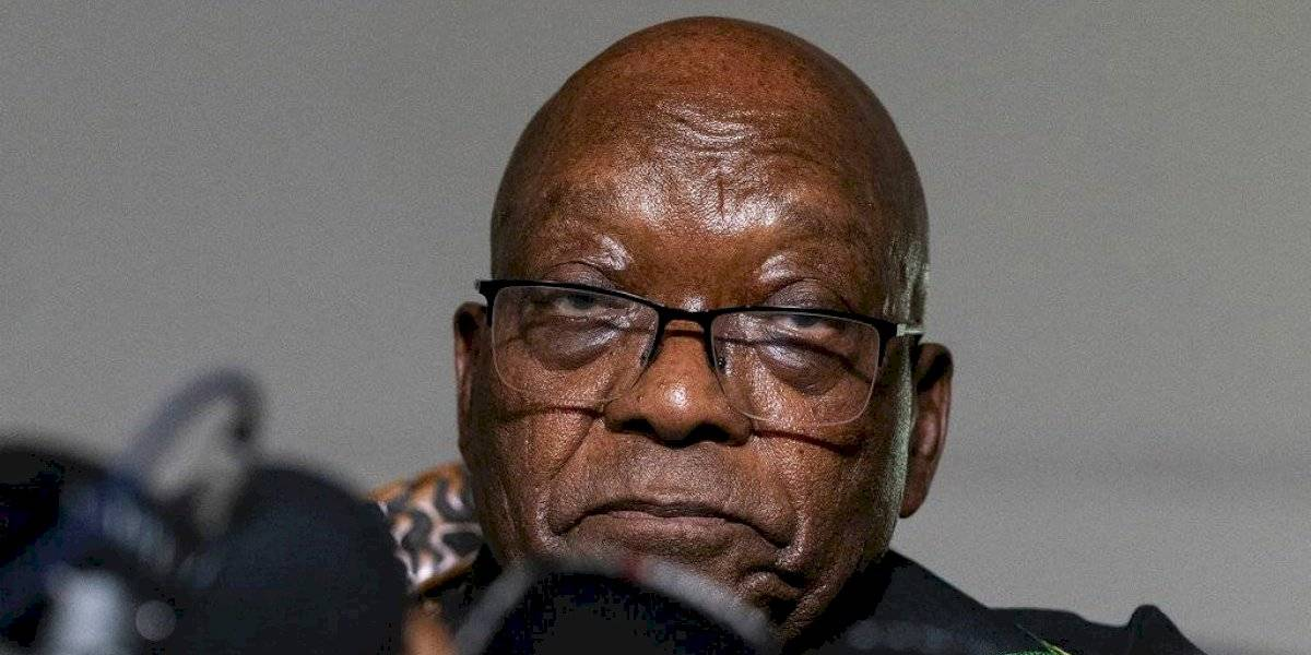 Expresidente sudafricano Zuma se entrega para ir a la cárcel