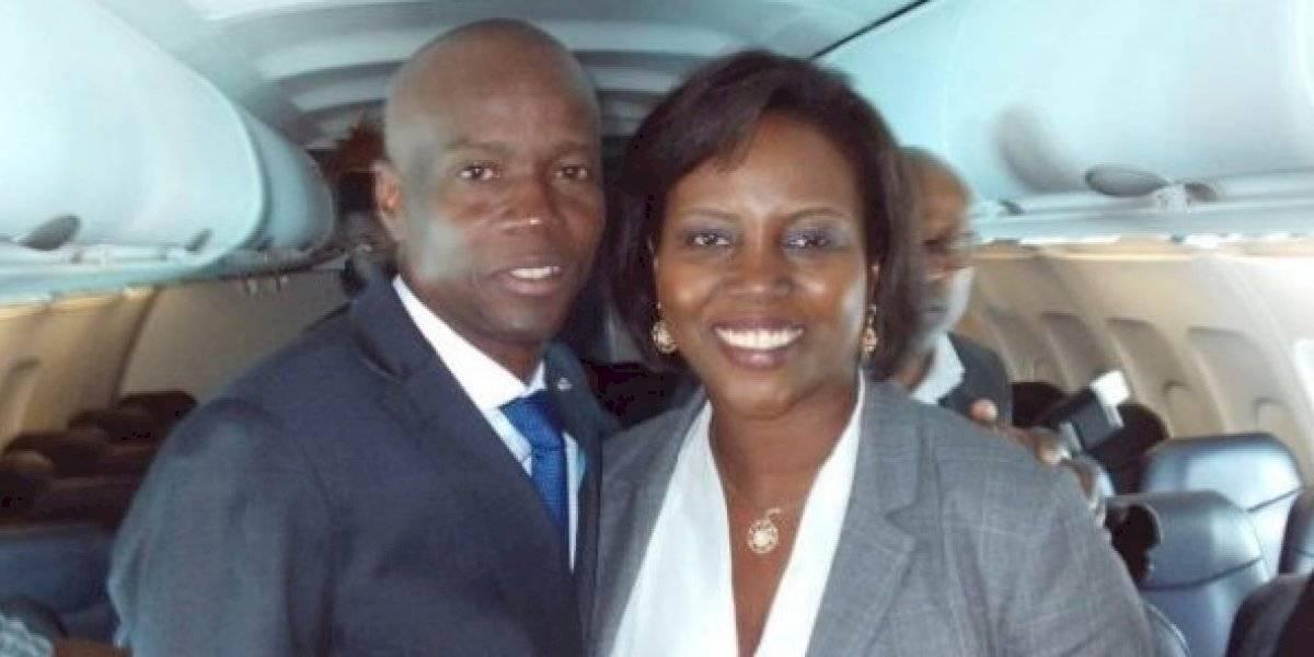 Rumbo a Miami primera dama de Haití tras recibir disparo