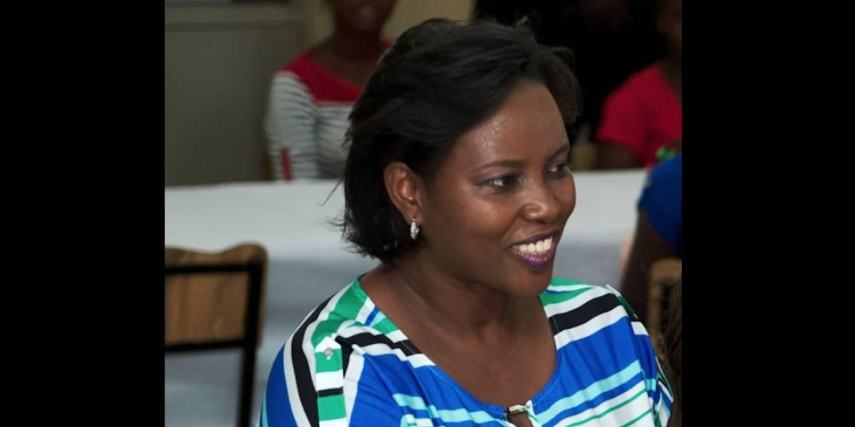 Momento en que primera dama de Haití llega a Miami para recibir tratamiento tras atentado