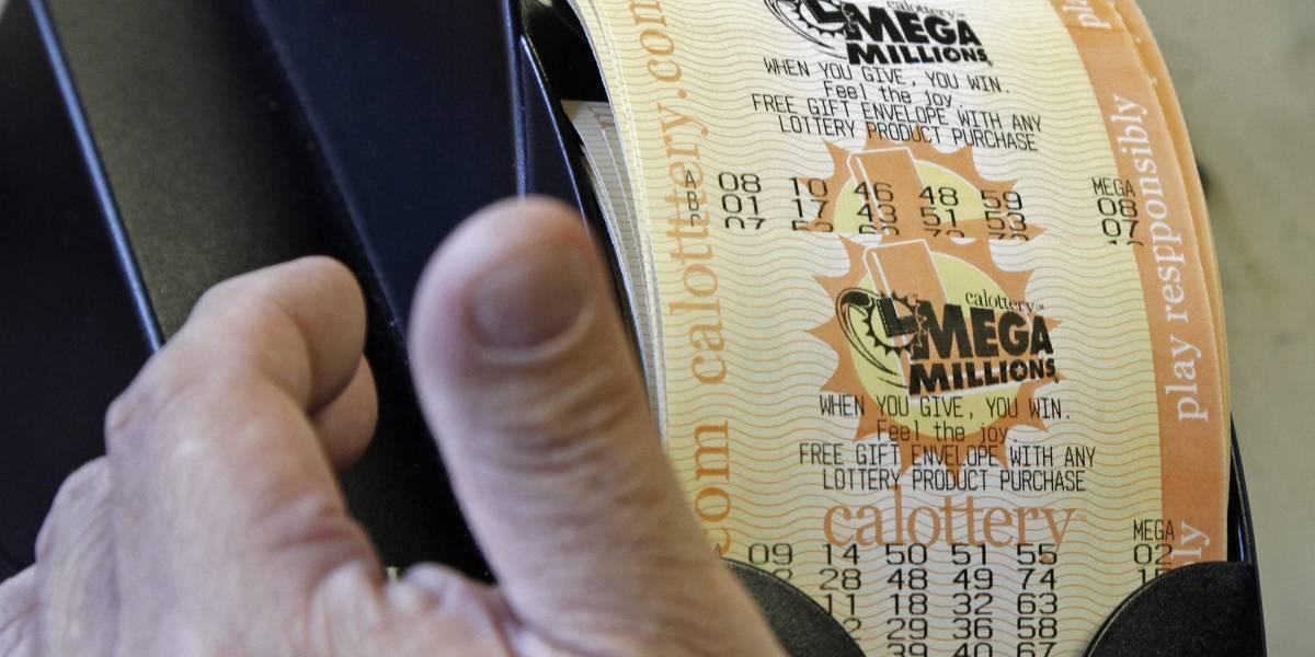 Gana 55 millones de dólares en la Lotería y lleva 10 años sin contarle a su familia