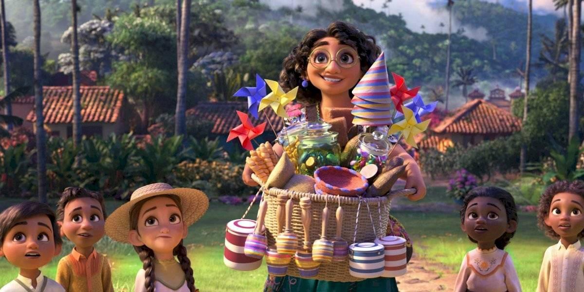 """Disney vuelve a explorar la cultura y familia latina en """"Encanto"""", su nueva película animada"""