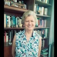 """Escritora denuncia """"ineptitud y dejadez gubernamental"""" contra personas como Don Rafa"""