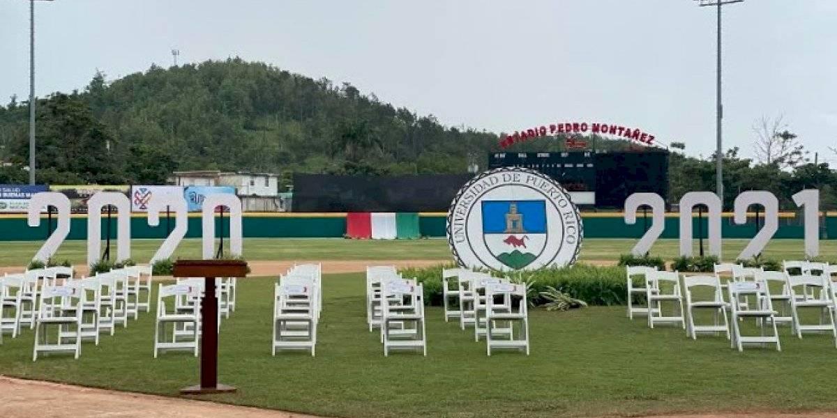 UPR Cayey celebra su graduación número 50 con las clases 2020 y 2021