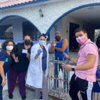 Ceiba se tira casa por casa a vacunar
