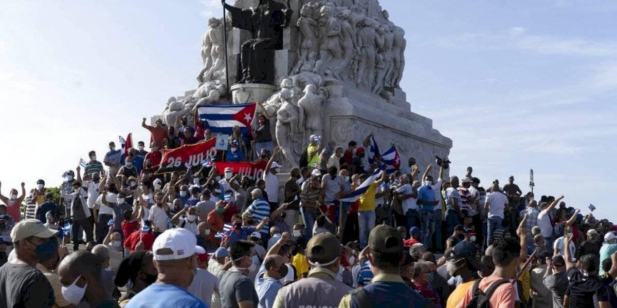 Cuba amanece sin internet móvil y con control policial