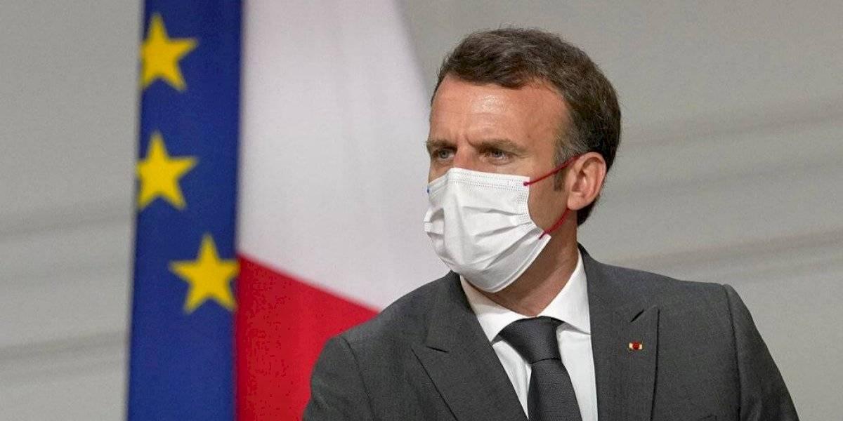Presidente de Francia ordena a todo el personal de salud que se vacune