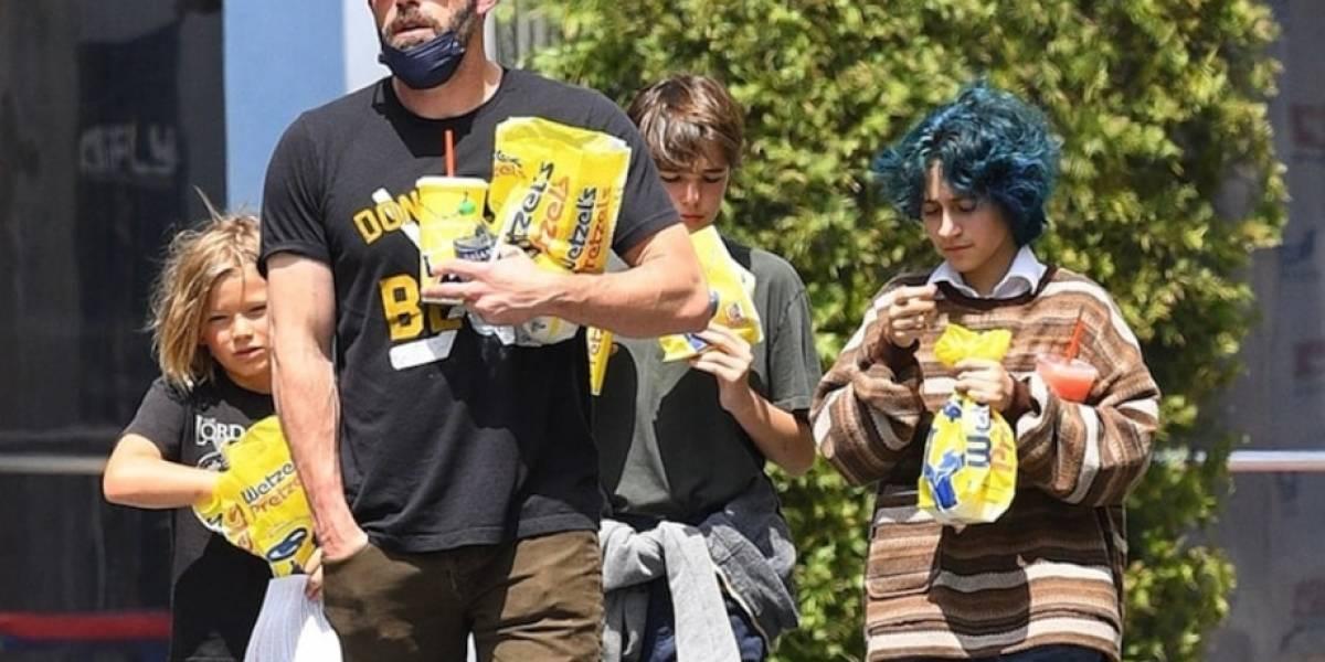 Ben Affleck de paseo con sus hijos y la hija de Jennifer López