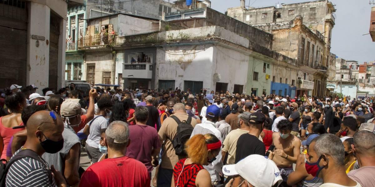 Biden emplaza al régimen cubano a escuchar al pueblo y atender sus necesidades
