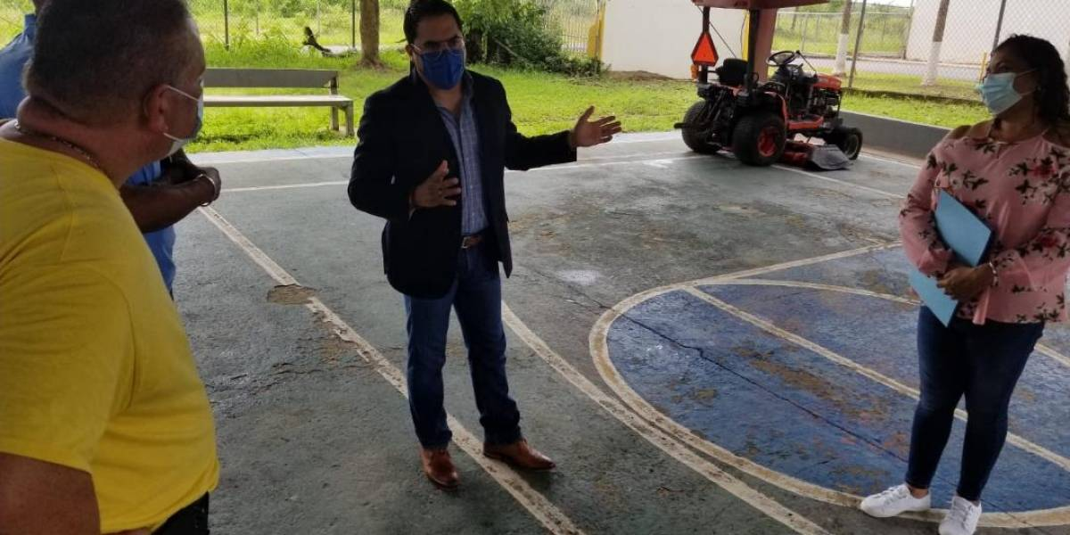 Denuncian que oficina regional del DRD en Humacao no tiene energía eléctrica