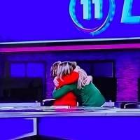 Así fue el abrazo de Celimar Adames y Deborah Martorell al culminar primera edición de Las Noticias