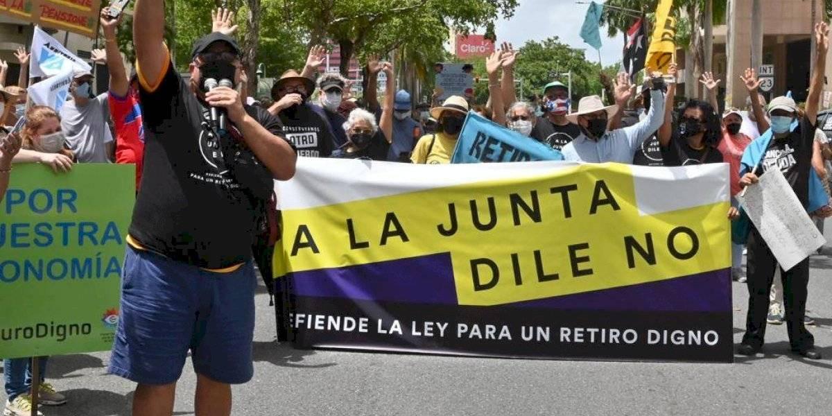 Organizaciones sindicales se manifiestan en contra de la Junta