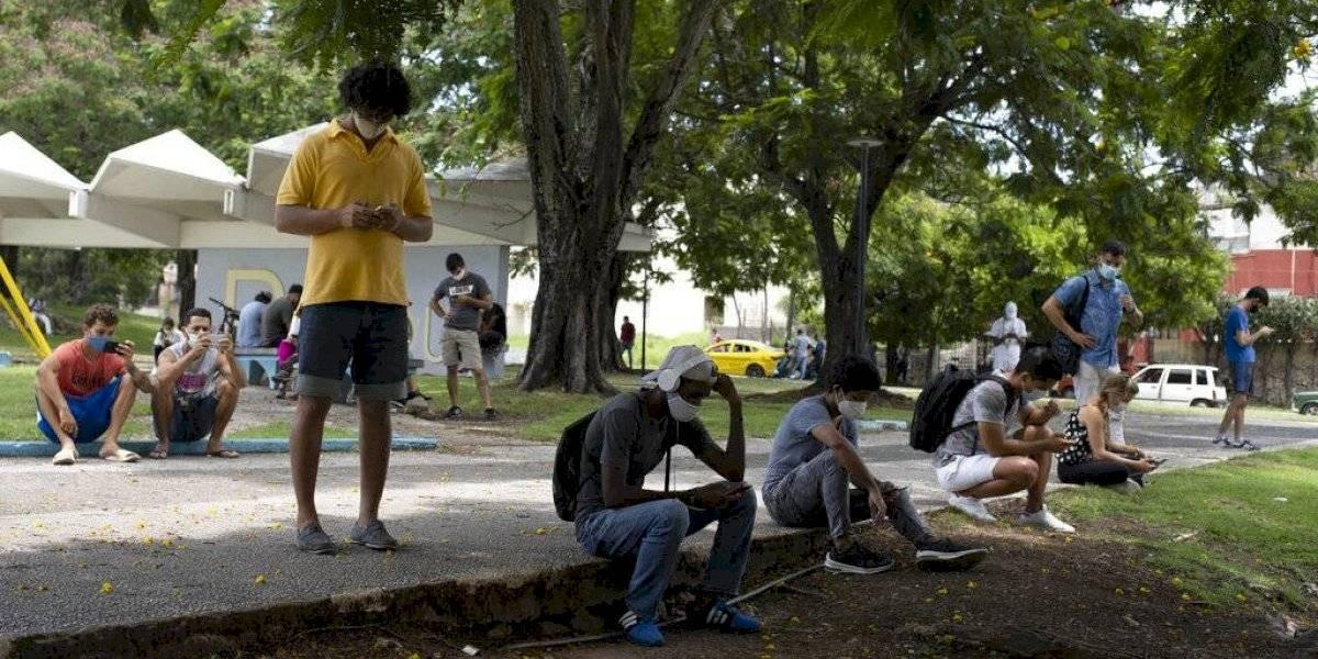 Apagón tecnológico deja a cubanos sin acceso a datos móviles