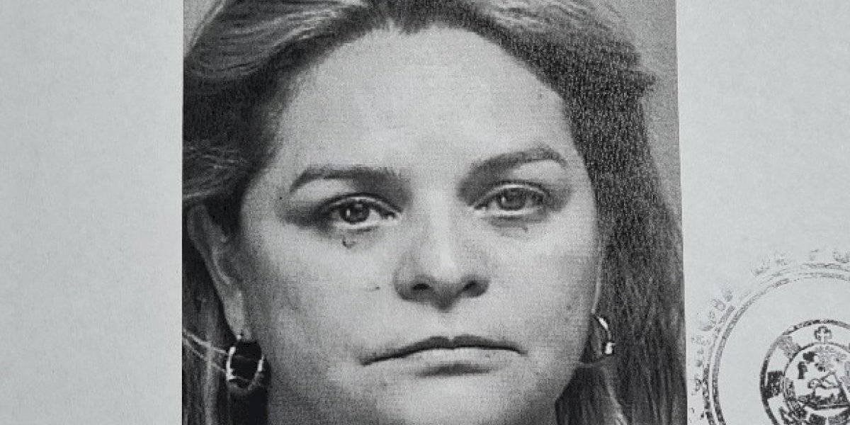 Cargos contra mujer por supuestamente embriagar a un menor y tener relaciones sexuales