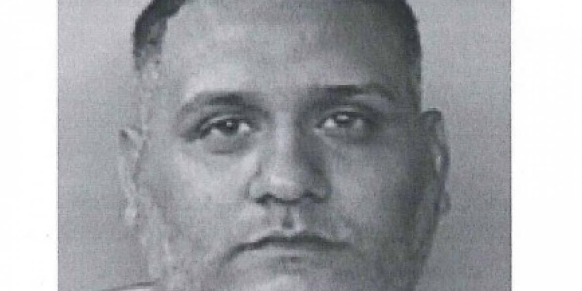Arrestan hombre buscado por amenazar de muerte a mujer frente a sus hijos en Santurce