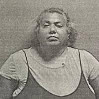 $900 mil de fianza para mujer que agredió a nonagenaria con machete en Ponce