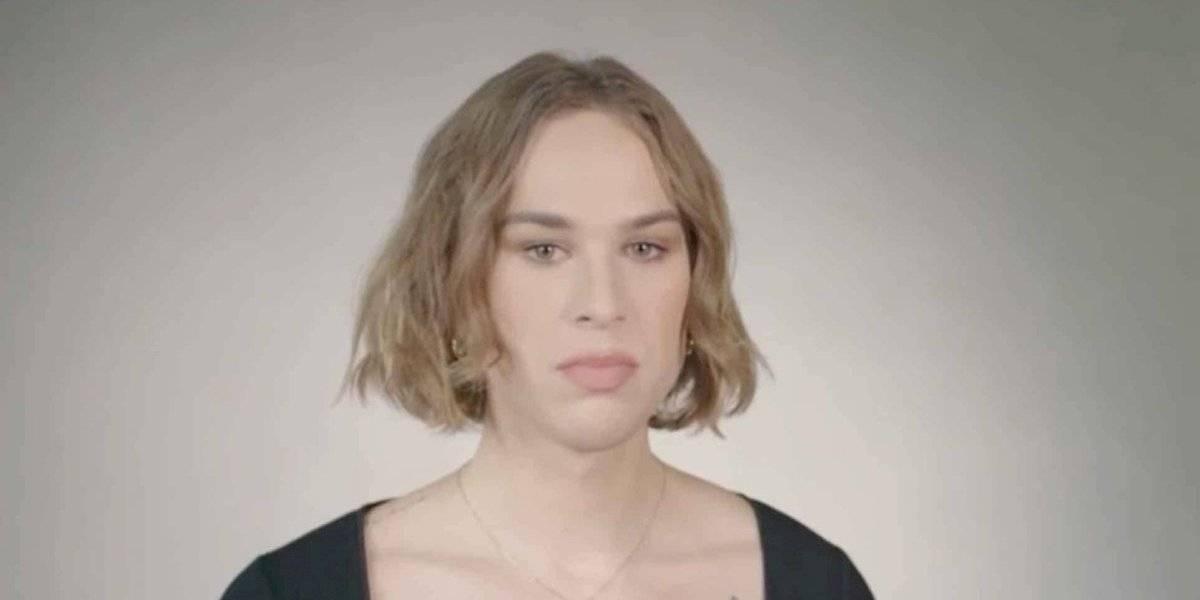 """Estrella de la serie """"13 Reasons Why"""" anuncia es una mujer trans"""