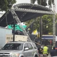 Colapsa tarima de patronales de Fajardo: cancelan todas las actividades