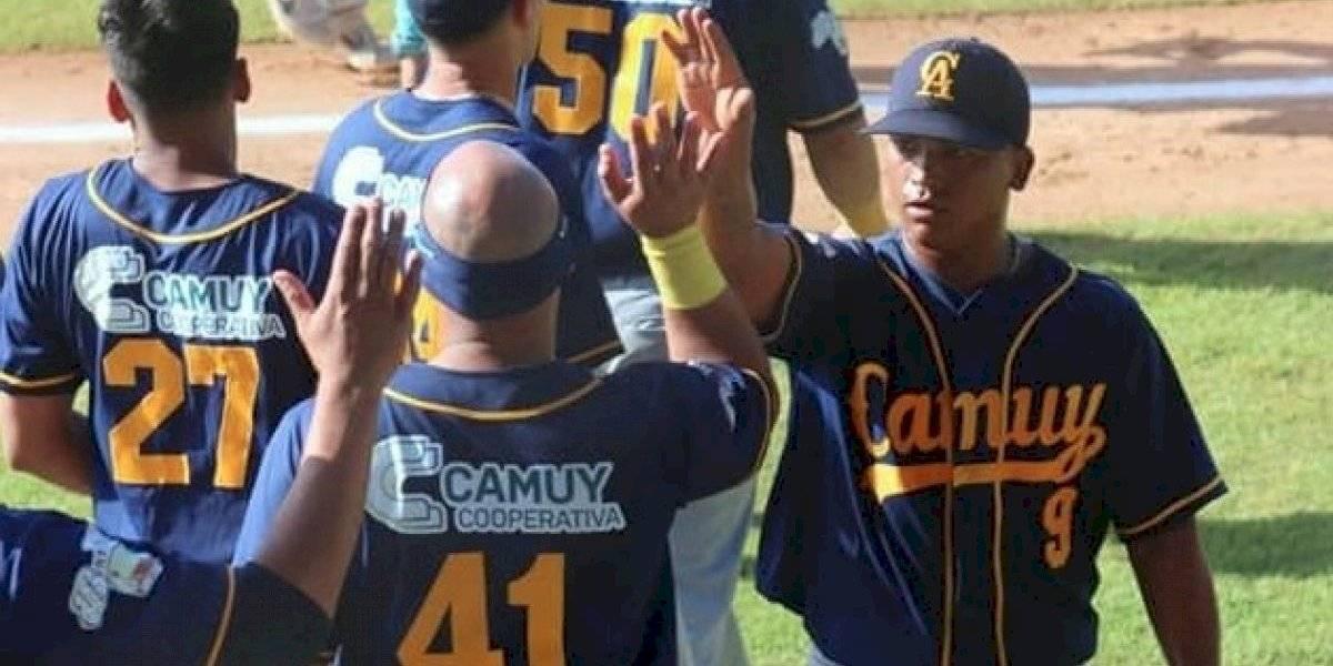 Camuy frena racha ganadora de Barceloneta en la pelota Doble A