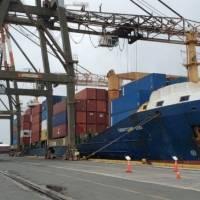 Luis Ayala Colón asegura operaciones continuarán durante negociaciones entre empresa y sindicato