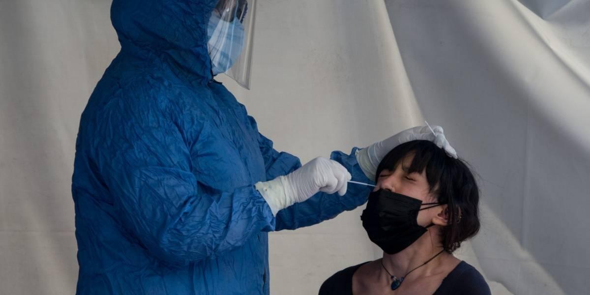En la última semana: OMS reporta caída en casos de COVID-19