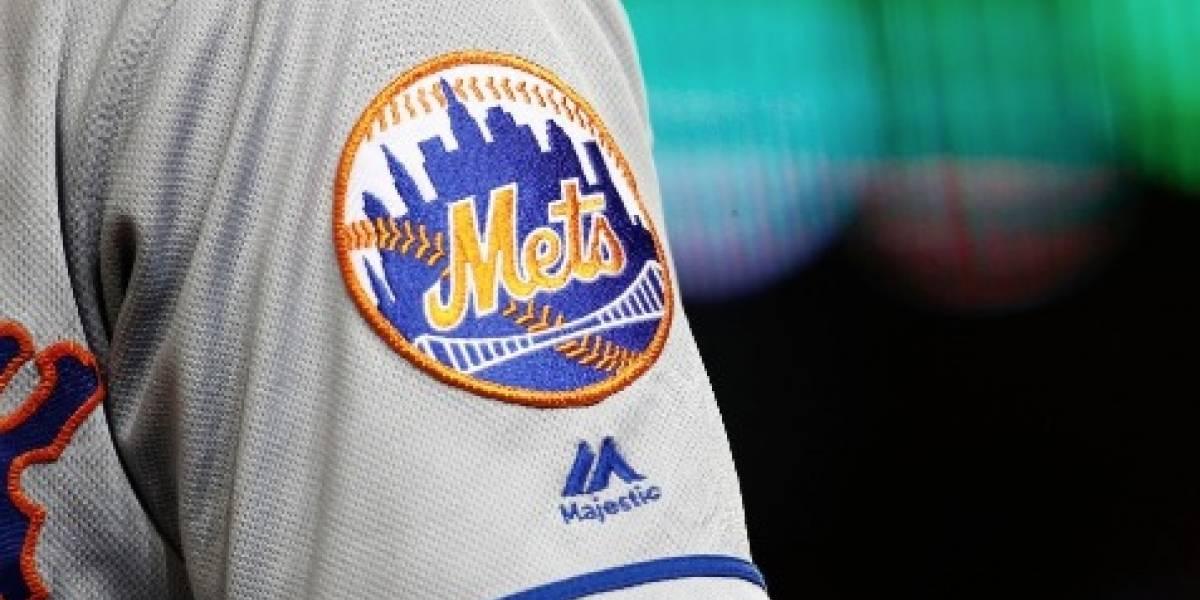 Arrestan al gerente de los Mets de Nueva York por conducir intoxicado