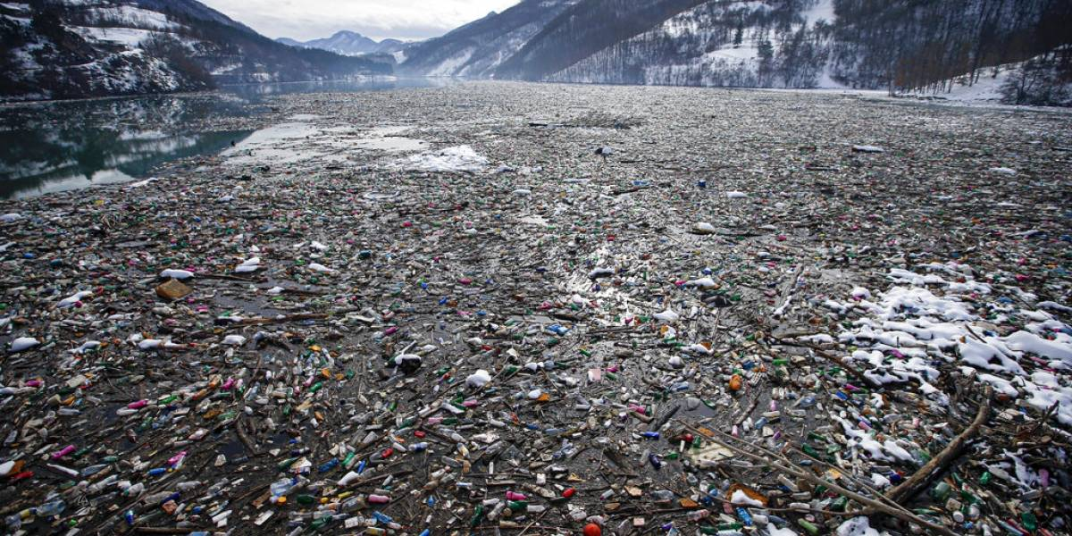 Países dan primeros pasos para frenar residuos plásticos