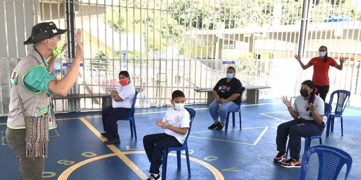 Adiestran estudiantes y maestros de educación especial sobre recreo seguro en pandemia