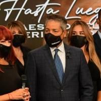 Compañeros de Efrén Arroyo lo despiden con edición especial en Wapa Televisión