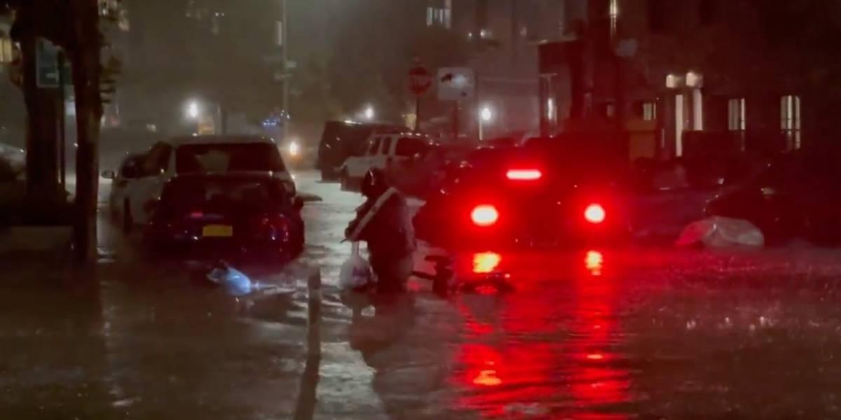 Delivery hispano desafió huracán Ida en NY y ahora todos quieren saber quién es