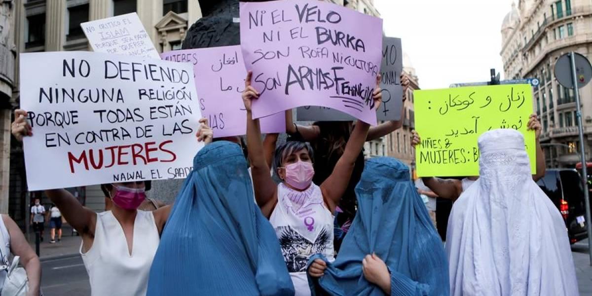 Afganas protestan por segundo día para reclamar a los talibanes sus derechos