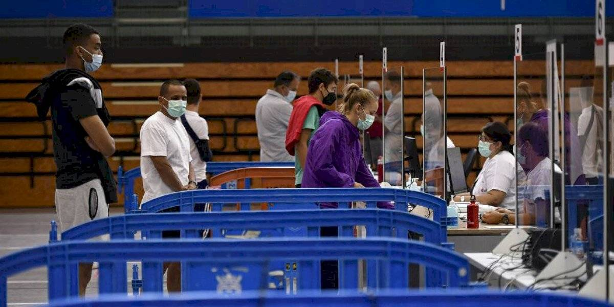 España pedirá prueba de vacuna de COVID a turistas con pasaporte de Estados Unidos