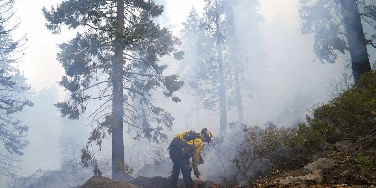 Lago Tahoe mira con esperanza a fin de semana, fuego amaina