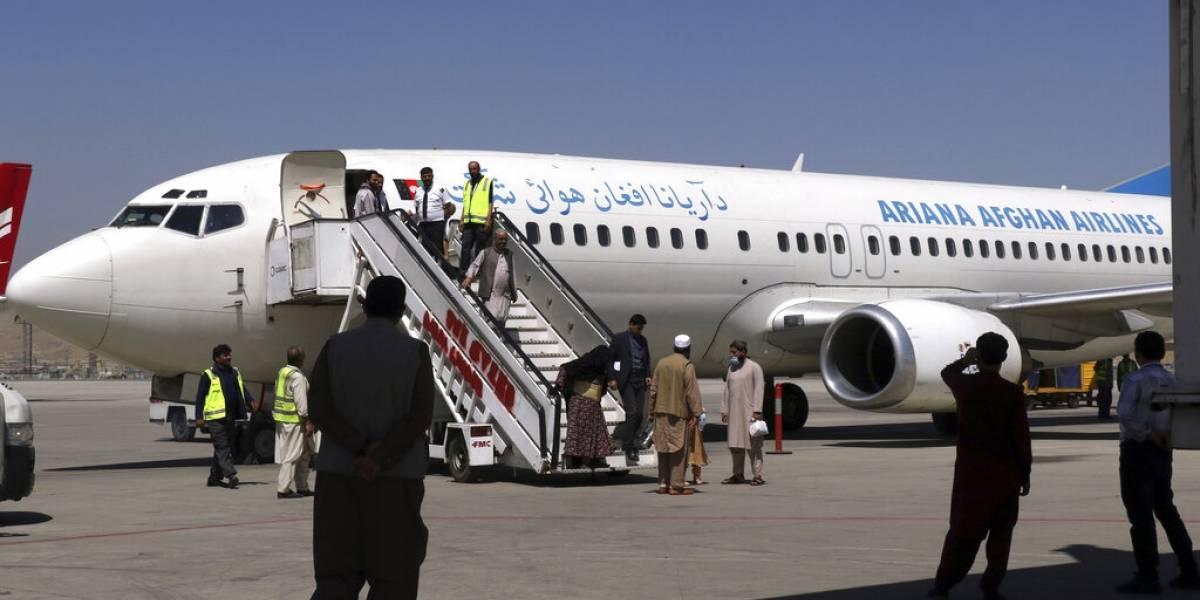 El Talibán impide la partida de cuatro aviones de evacuación