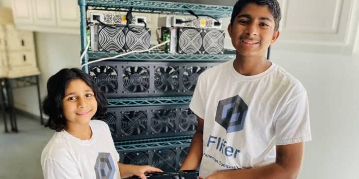Hermanos de 14 y 9 años ganan $30 mil al mes minando criptomonedas