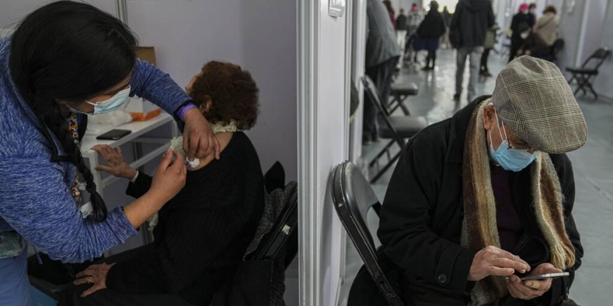Chile autoriza vacuna Sinovac para niños mayores de 6 años
