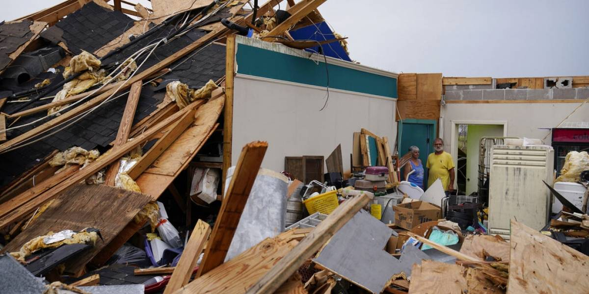 Unas 430,000 personas en Luisiana siguen sin electricidad