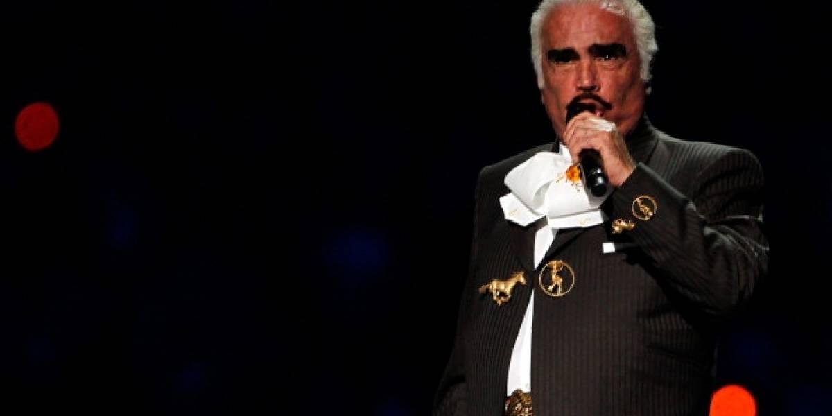 30 días hospitalizado: Vicente Fernández continúa con traqueostomía
