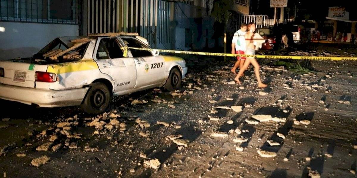 Comienzan labores de limpieza en Acapulco tras fuerte sismo de 7,4 grados