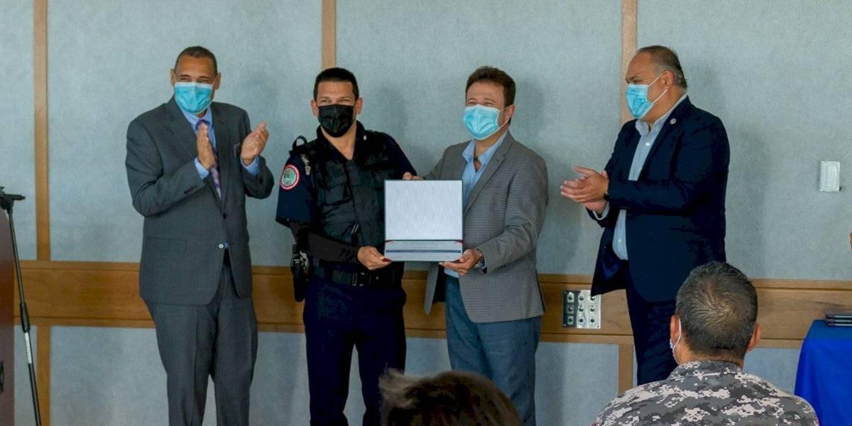 UPR Carolina brinda talleres de inteligencia emocional a policías municipales