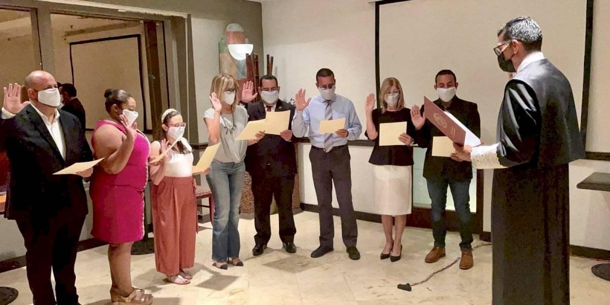 Junta de directores del Overseas Press Club jura impulsar desarrollo del periodismo