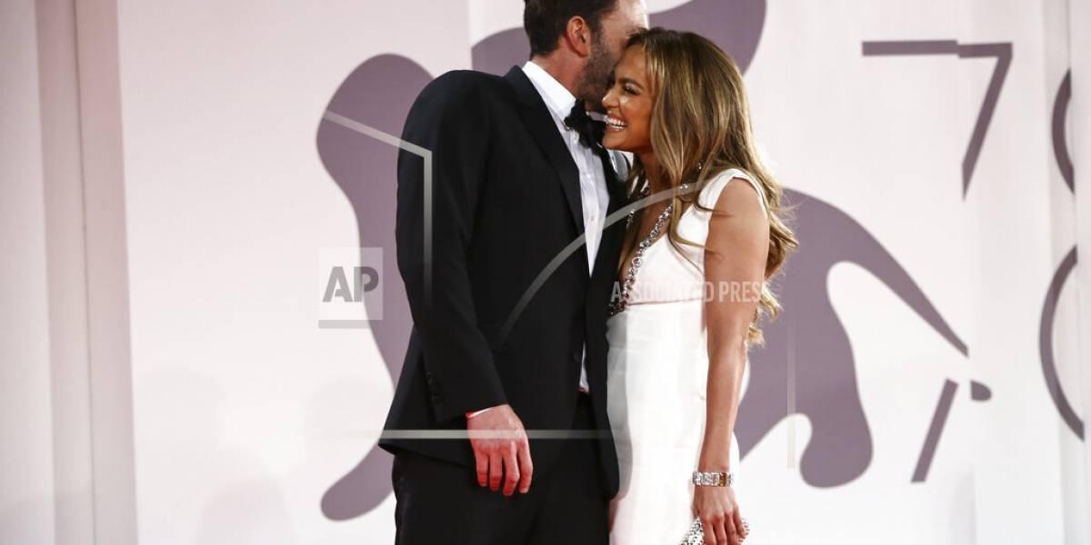 Ben Affleck y Jennifer López hacen oficial su romance en Venecia