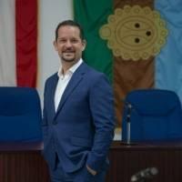 Alcalde de Utuado utilizó fondos de COVID para un autocine y transmitir las Olimpiadas