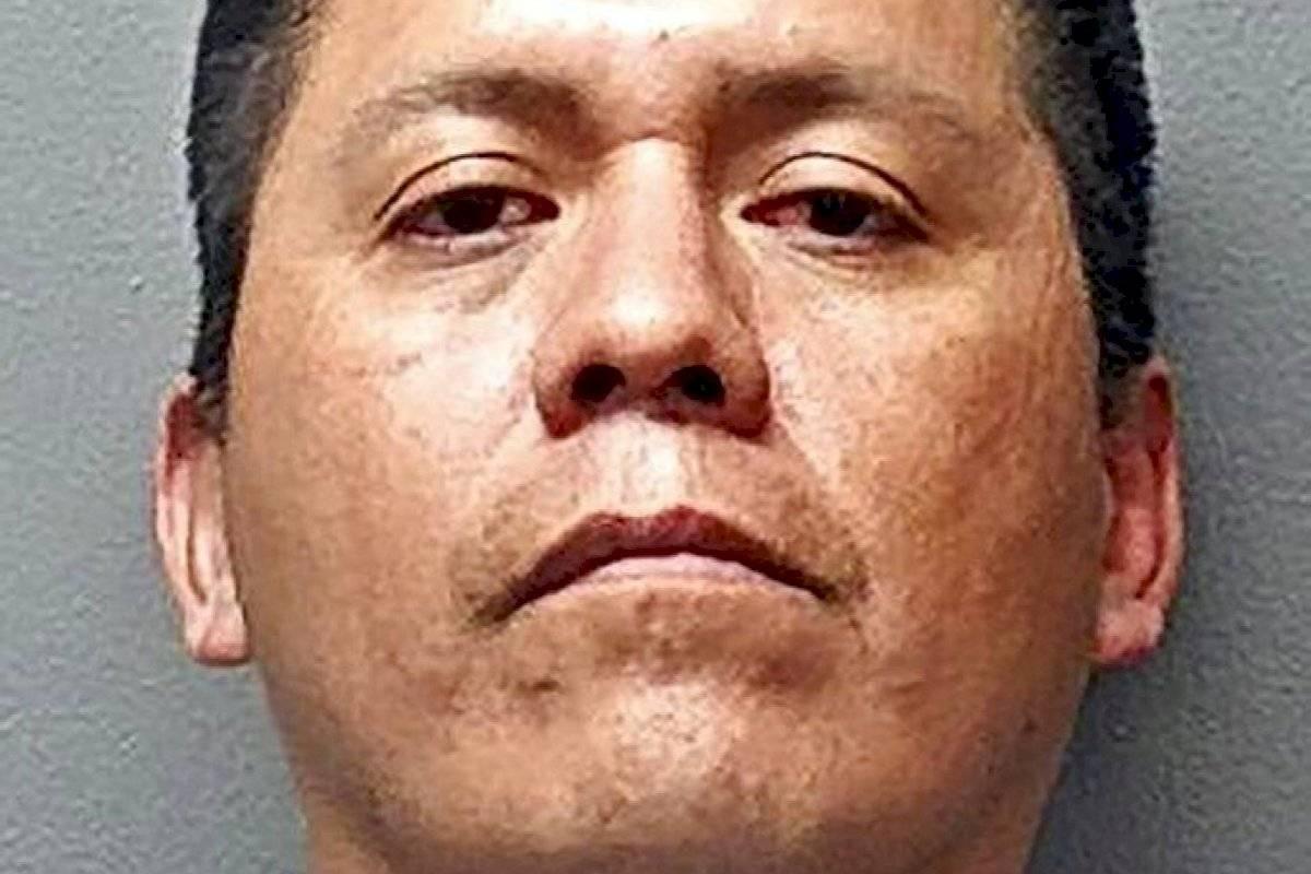 Hombre en Texas confiesa asesinato de su novia y compañero de cuarto