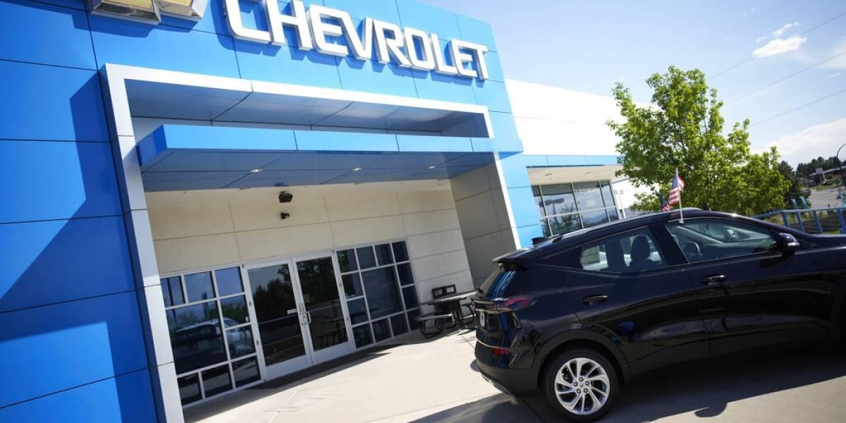 Escasez de chips frena venta de vehículos en Estados Unidos
