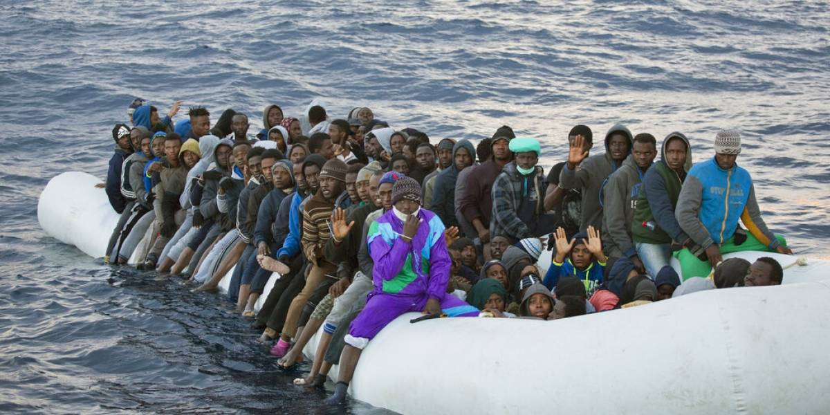 Interceptan a más de 550 migrantes en aguas de Libia