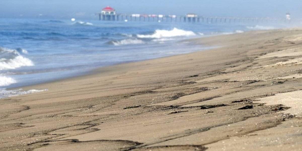 Indigna a residentes derrame de petróleo en California