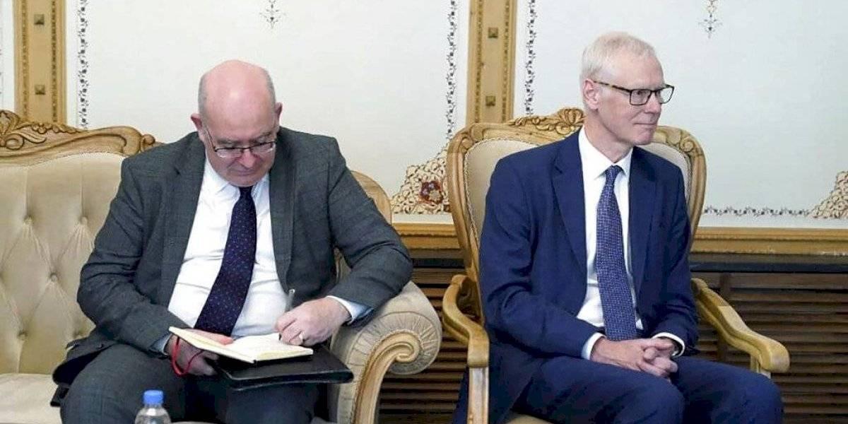 Líderes del Talibán se reúnen con funcionarios británicos