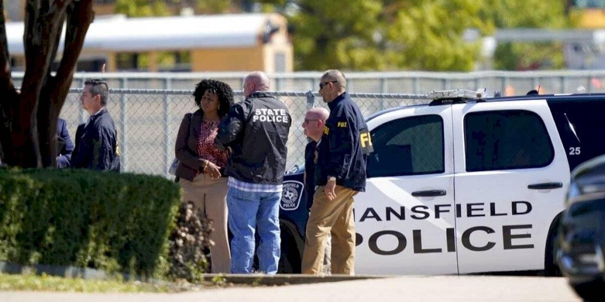 Detienen a estudiante tras tiroteo en escuela de Texas